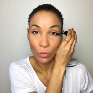 Abend Make-up mit schwachen Wimpern