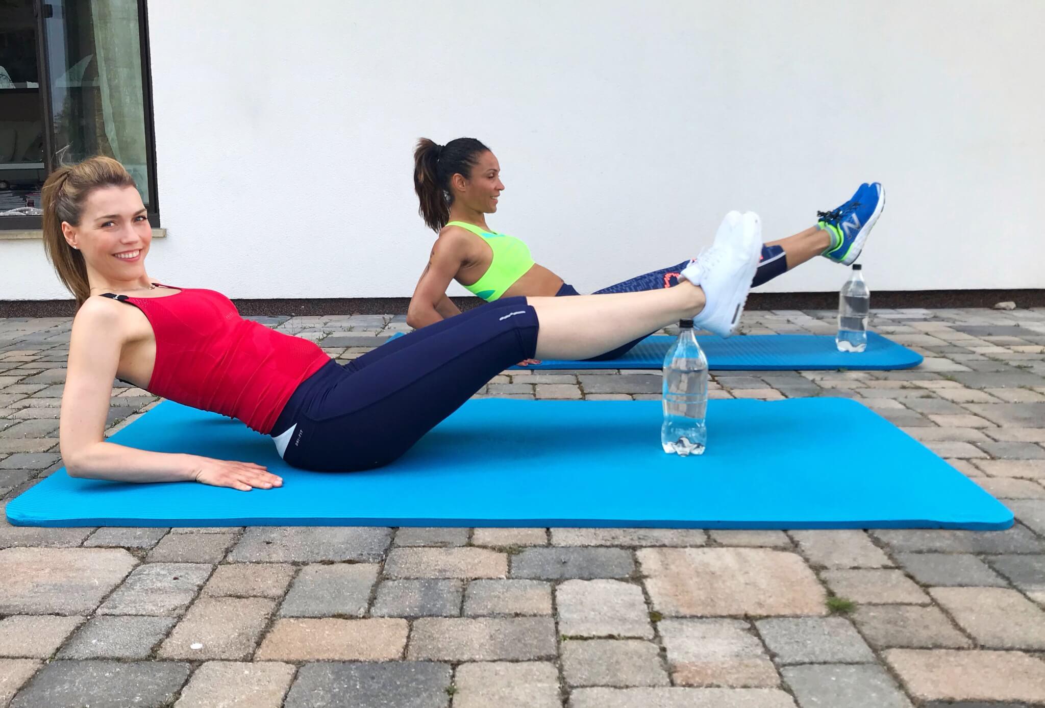 Homeworkout mit Annett Möller! Diesmal: Bauch und Rücken