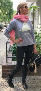 grey sweatshirt sporty