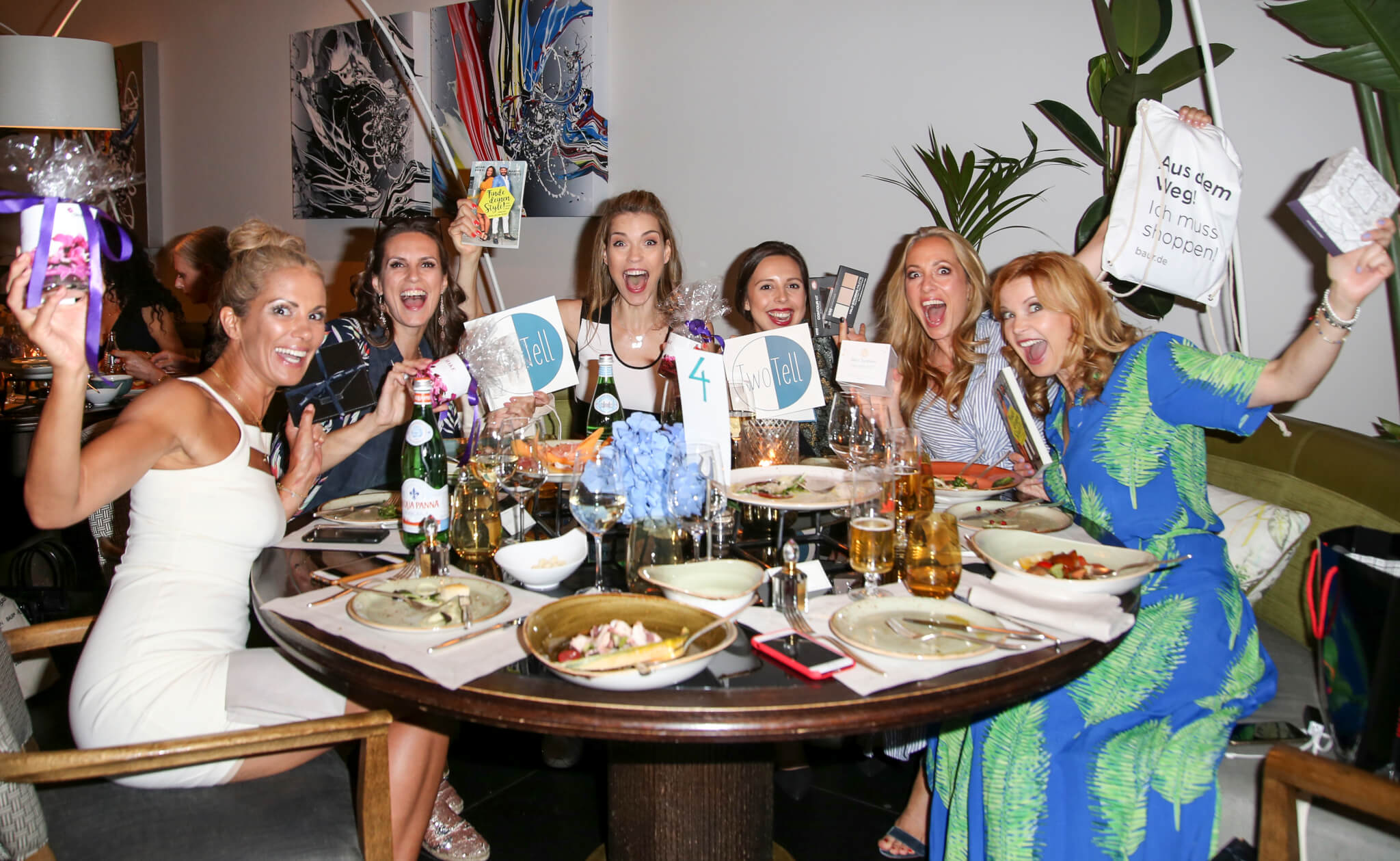 Our TwoTell ladies dinner! Networking women equals girls power!